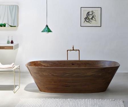 Shell Bathtub, la adorable bañera de madera de Nina Mair