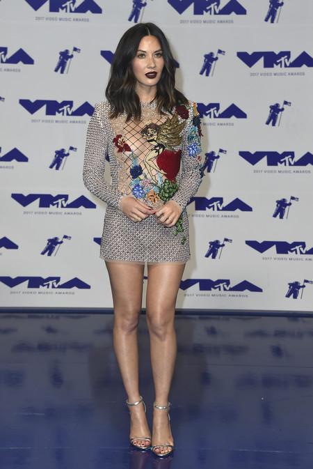 mtv vma video music awards 2017 alfombra roja red carpet olivia munn