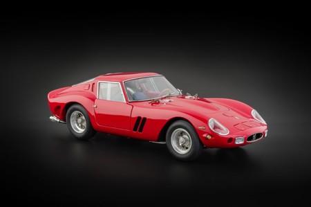Regalos originales sobre coches Ferrari 250 GTO CNC
