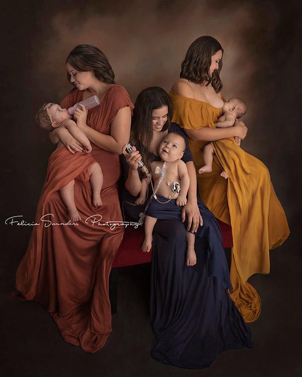 Esta imagen refleja el amor de una madre alimentando a su bebé sin importar cómo: con lactancia materna,...