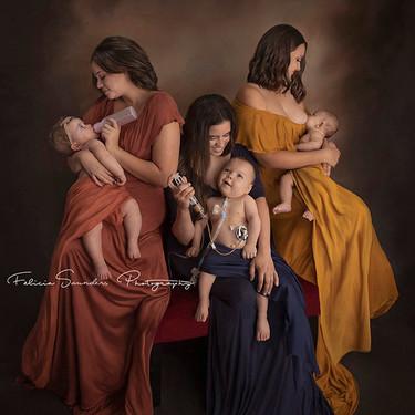 Esta imagen refleja el amor de una madre alimentando a su bebé sin importar cómo: con lactancia materna, biberón o sonda