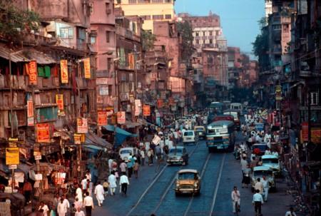 India se beneficia de bajos precios del petróleo y crece al mejor ritmo de los últimos 5 años