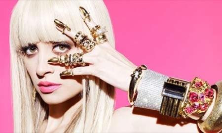 Nicole Richie imita a Lady Gaga en el editorial de BlackBook II