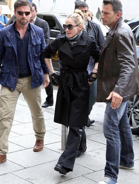 Madonna en chándal y con gafón, arreglada pero informal... y seguimos de movida ¿promovida?