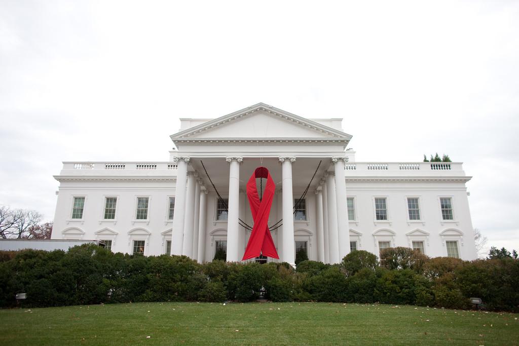 Cuando las teorías de la conspiración buscaban orígenes al VIH en los ochenta: de