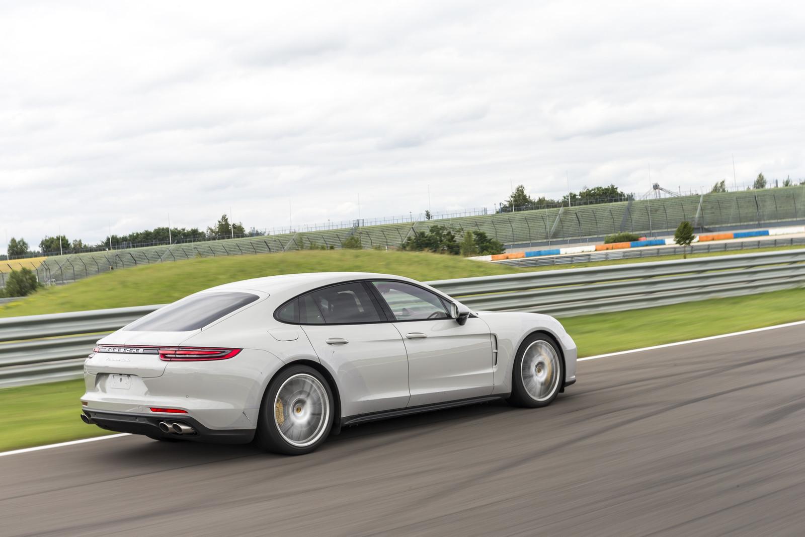 Foto de Porsche Panamera 2017 (12/130)