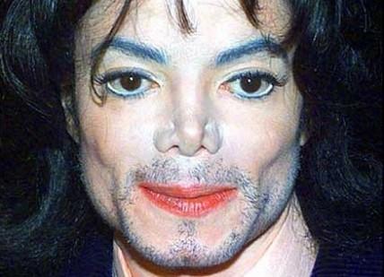 Michael Jackson incrementa deudas
