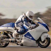 Esta Hayabusa quiere ser la moto a vapor más rápida del mundo rozando los 200 km/h. Sí, ¡a vapor!