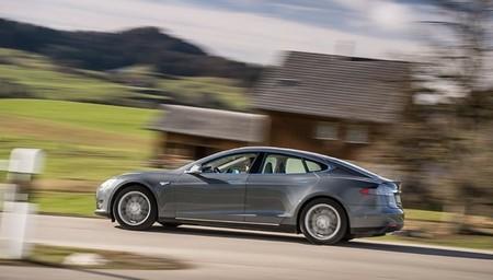 El Tesla Model S es el eléctrico más vendido en Suiza