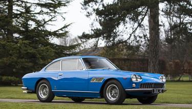 Sale a subasta el primer coche de John Lennon: un precioso Ferrari 330GT Coupé