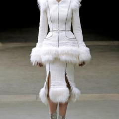 Foto 12 de 27 de la galería alexander-mcqueen-otono-invierno-20112012-en-la-semana-de-la-moda-de-paris-sarah-burton-continua-con-nota-el-legado en Trendencias