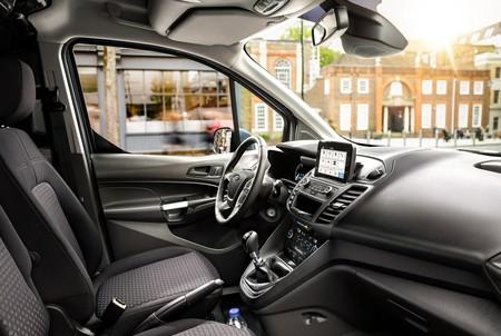 Ford inventa idioma para que sus autos autónomos se comuniquen con los peatones