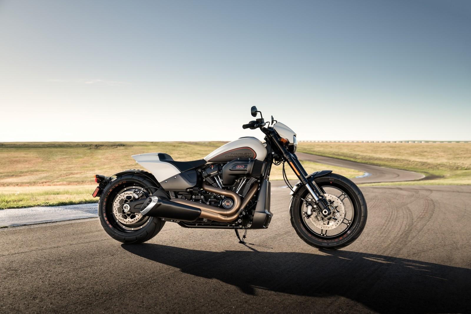 Foto de Harley-Davidson FXDR 114 2019 (1/22)