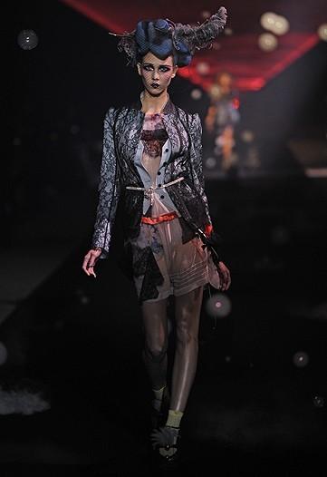 Foto de John Galliano, Primavera-Verano 2010 en la Semana de la Moda de París (1/14)