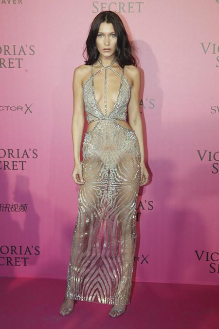 Looks Alfombra Roja Vestidos Sexys Bella Hadid Modelo Celebrity 6