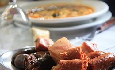 De la olla podrida al cocido gallego, geografía del cocido a fuego lento