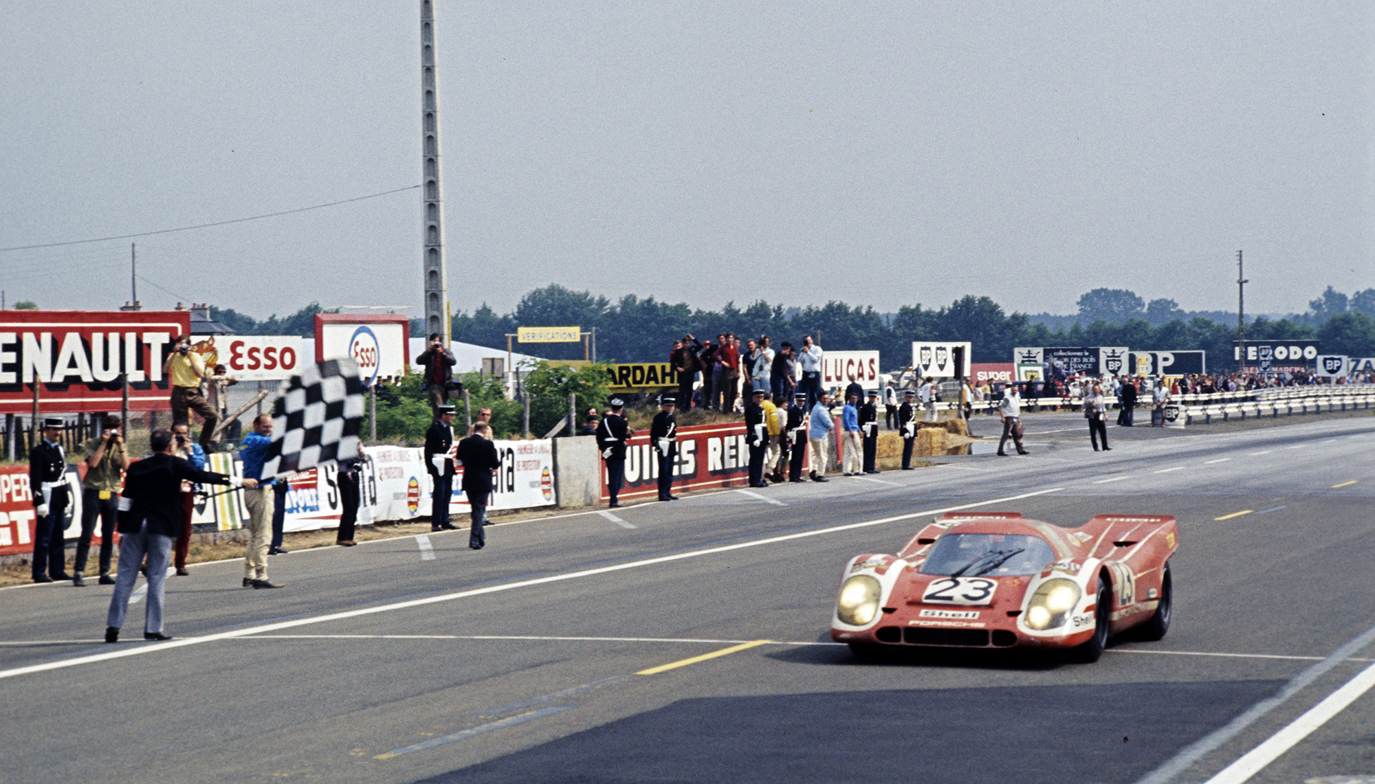 Foto de Bugatti Veyron y Porsche 917 (10/15)
