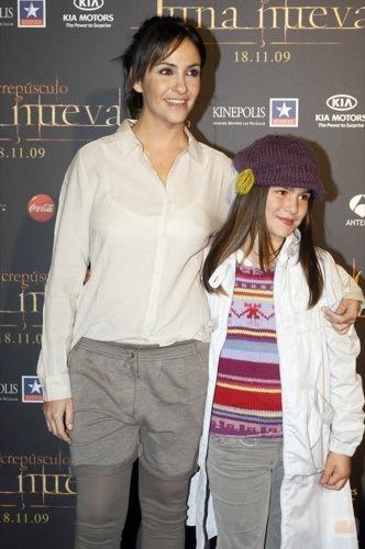 Alfombra roja con famosas españolas en la premiére de Luna Nueva en Madrid, Melanie Olivares