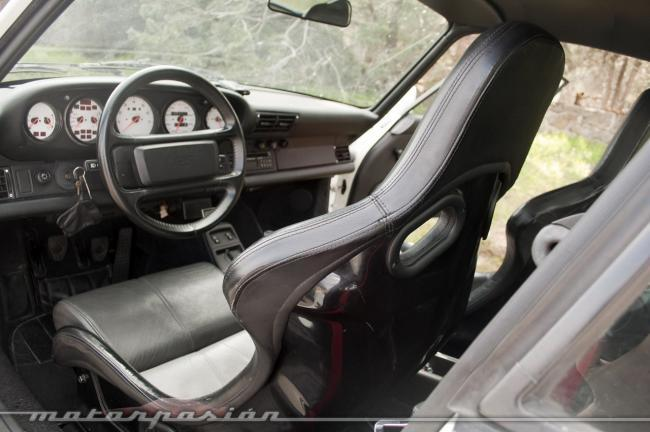 Porsche 911 964 Carrera RS interior