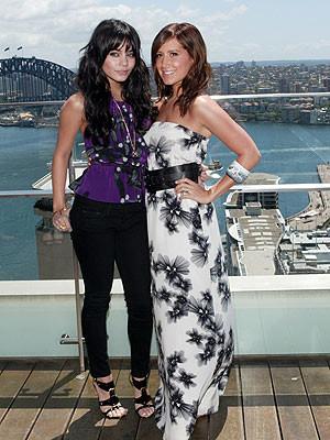 Duelo en la alfombra roja ¿Vanessa Hudgens o Ashley Tisdale?