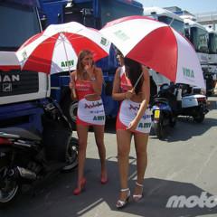 Foto 3 de 18 de la galería de-paseo-por-el-paddock-del-circuit en Motorpasion Moto