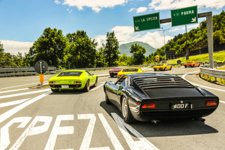 Diecisiete imágenes dignas de enmarcar del 50 Aniversario del Lamborghini Miura