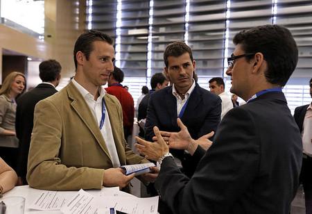 ¿Los hombres atractivos tienen más éxito en la financiación de su startup? Un estudio del MIT así lo afirma