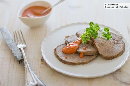 Carne asada con salsa de pimientos del piquillo
