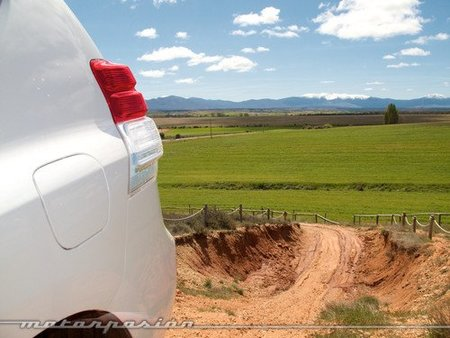 toyota Land Cruiser 2010-12
