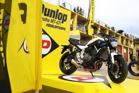 Y la ganadora de la Yamaha MT-07 en la #DunlopFanPic fue...