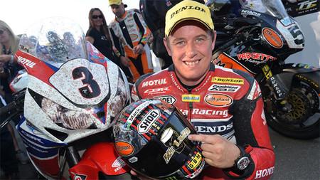 IOMTT 2013: John McGuinness gana su 20º TT y Dunlop se queda en las cuatro victorias