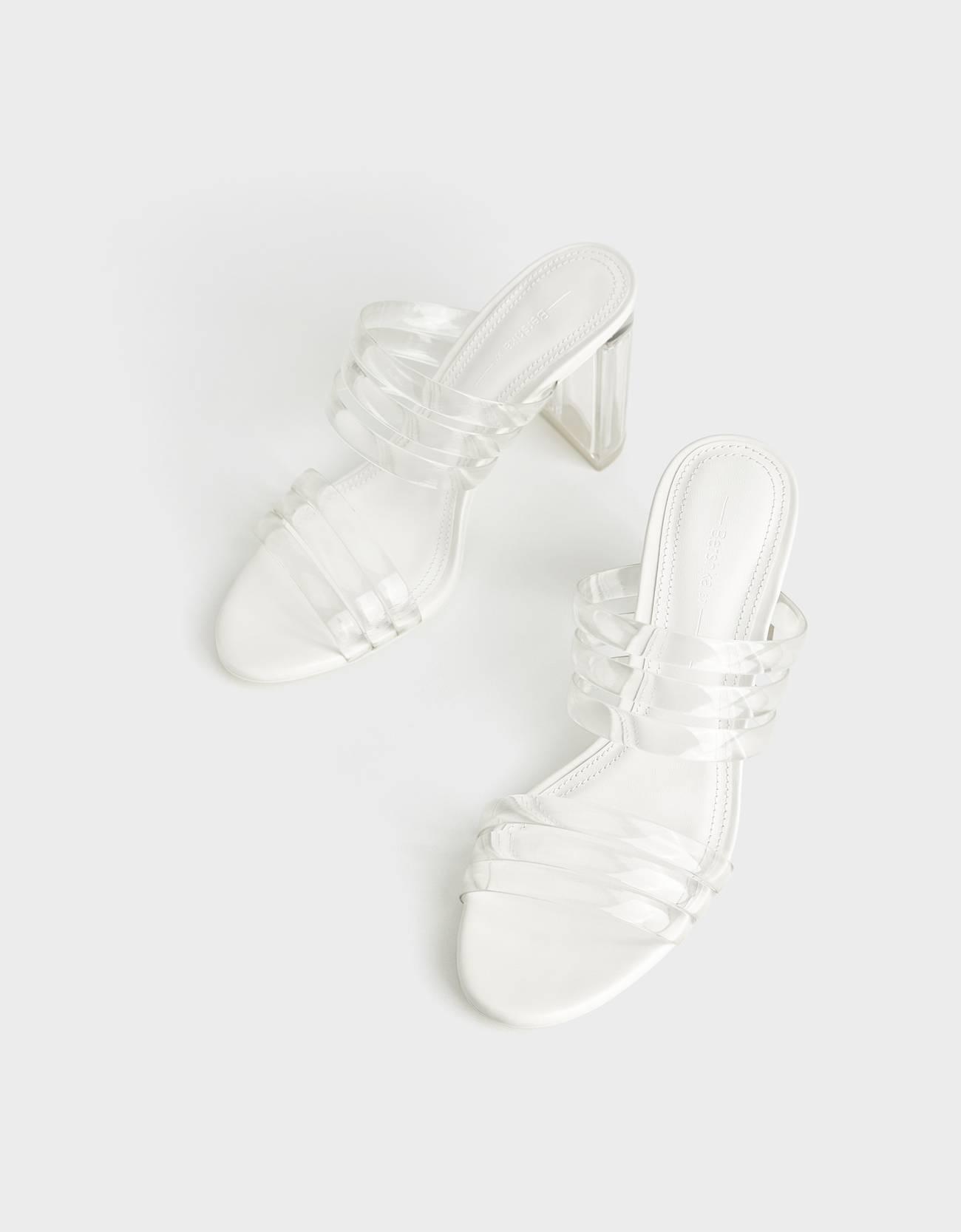 Sandalias de tacón con tiras de vinilo y tacón de metacrilato