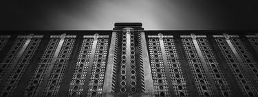 Gothamesque Shanghai, el sorprendente proyecto fotográfico inspirado en la arquitectura Art Deco china y la serie animada Batman