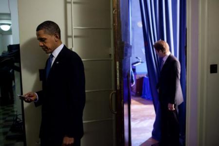 """Obama no puede tener un iPhone por """"razones de seguridad"""""""