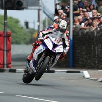 ¡Espectacular! Peter Hickman arrasa en el IOMTT con el récord absoluto en Senior TT: 16:42.778
