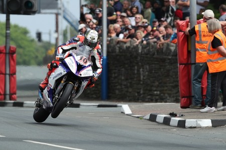 Peter Hickman Senior Tt Isla De Man 2018