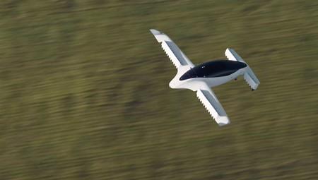 Lilium, el taxi volador eléctrico de despegue vertical, arranca con sus pruebas de velocidad y ahora podemos verlo volar a 100 km/h