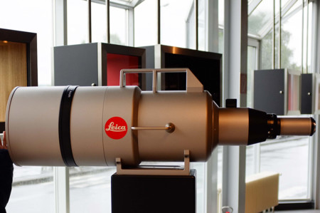 Así es el objetivo más caro jamás construido: Leica APO-TELYT-R 1.600mm f/5.6