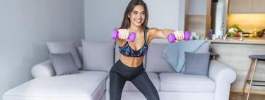 Cinco ejercicios con mancuernas para entrenar tus brazos en casa