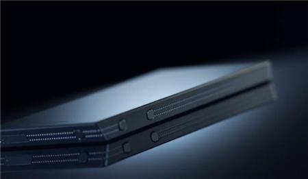 """Mark Shuttleworth: """"Apple se ha hecho con las reservas de zafiro que íbamos a usar en el Edge"""""""
