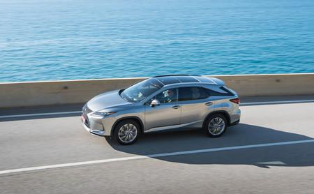 Probamos el Lexus RX 450h: el SUV híbrido es ahora un coche más refinado, preciso y silencioso