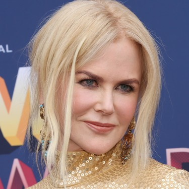 El (fantástico) moño messy de Nicole Kidman en los ACM Awards a examen