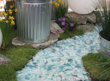 Senderos en azulejos de cristal reciclado - Azulejos de cristal ...