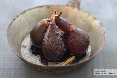 Peras cocidas especiadas en almíbar de arándanos