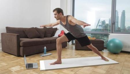 Una alfombra de yoga que además, es un entrenador virtual