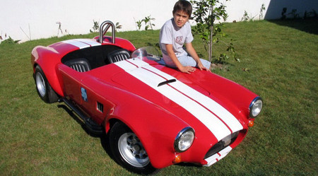 El Shelby Cobra de juguete fabricado por papá