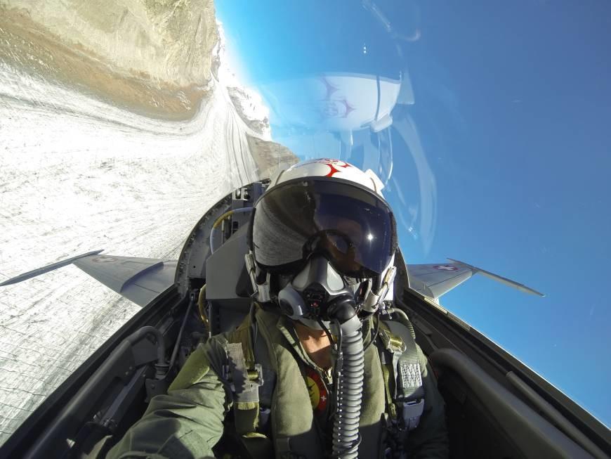 """Vídeo en 360 grados para introducirnos en las maniobras de vuelo de la """"Patrouille Suisse"""""""