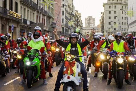 """El Ayuntamiento de Barcelona no quiere más 'papanoeladas' en moto: """"Hacen ruido y contaminan"""""""