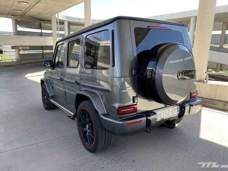 Mercedes-AMG G63 trasera lateral