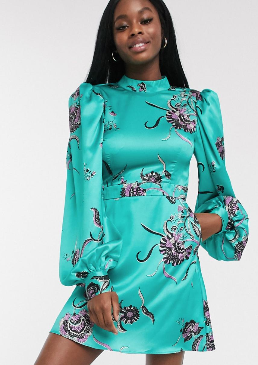 Vestido corto con mangas tipo globo y estampado floral en verde azulado Elevated de Liquorish